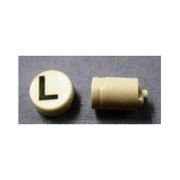 Button cap L black lettering white cap
