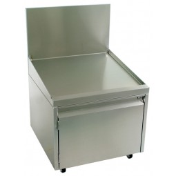 """Underbar SS slanted liquor display with cabinet 24""""W x 24""""D"""